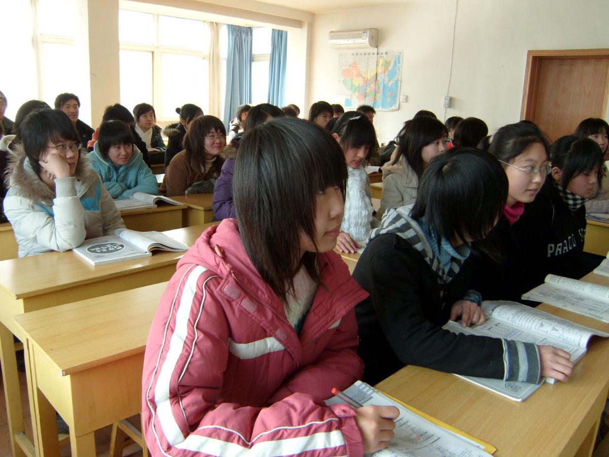 天津艺术生在接受文化课辅导