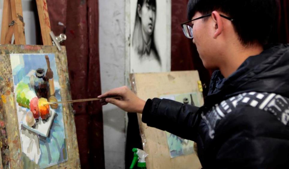 美术绘画压力也不小