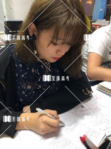 武汉艺考生课后勤加练习